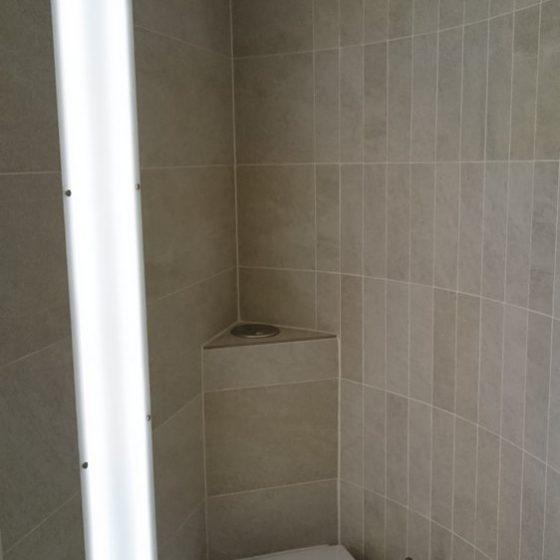 Haenge-WC Missel Eckspuelkasten LED Leuchtfeld