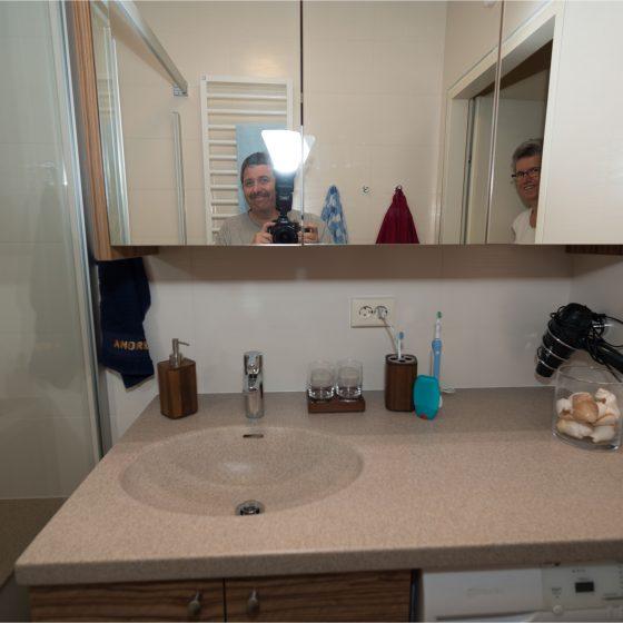 begeisterte Kunden Waschtisch Spiegelschrank