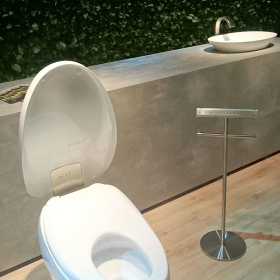 Toto Dusch-WC mit Funktion zur Urinanalyse