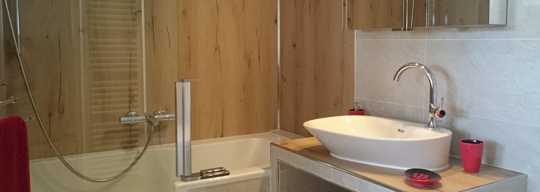 Badgewordene Träume - Bad mit Artweger Twinline, Artwall-Platten, gemauertem Waschtischplatte mit Palomba Aufsatzbecken