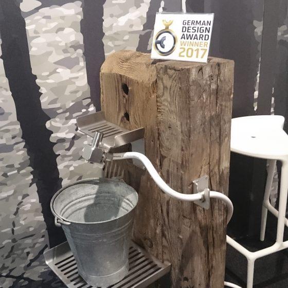 innovativer Outdoor-Wascheimer für Garten oder Camping