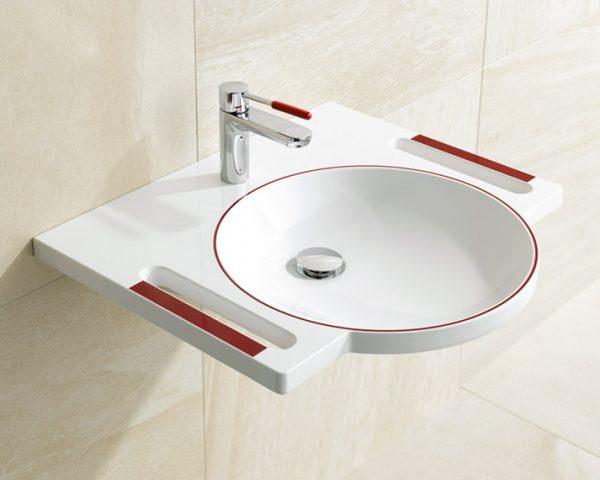 Das barriefreie Bad Waschtisch und Armatur mit Farbkontrast