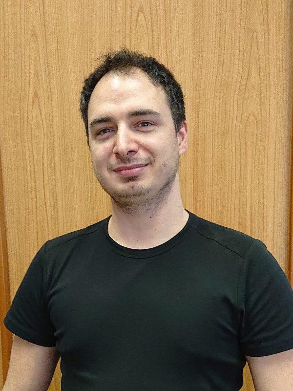 Igor Jeremic Seniorchef, Lager- und Kleinteilbestellungen